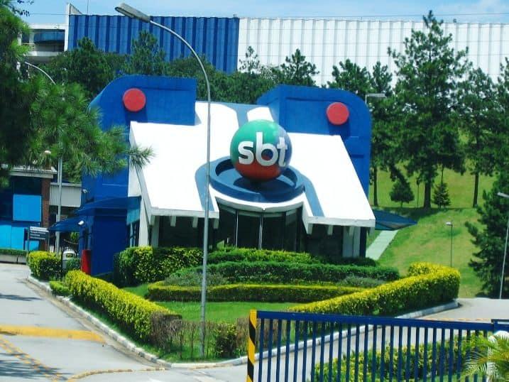 Funcionário do SBT ameaça suicídio na sede da emissora