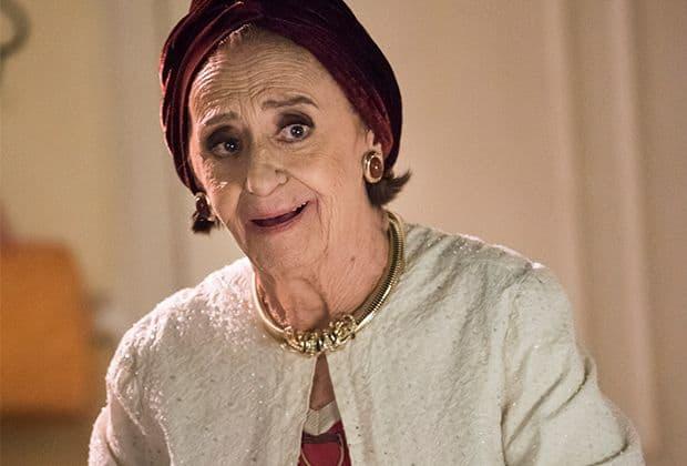 """Prestes a completar 90 anos, Laura Cardoso não pensa em aposentadoria: """"Trabalho é vida"""""""
