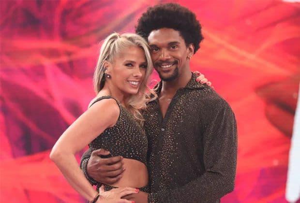 """Adriane Galisteu e Cris Vianna vencem homens na repescagem e voltam à """"Dança dos Famosos"""""""