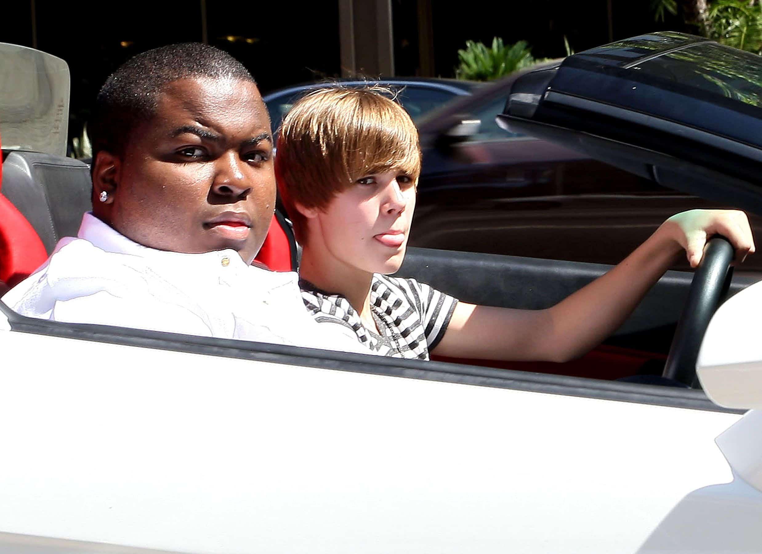 Justin Bieber estaria perseguindo Selena Gomez durante meses