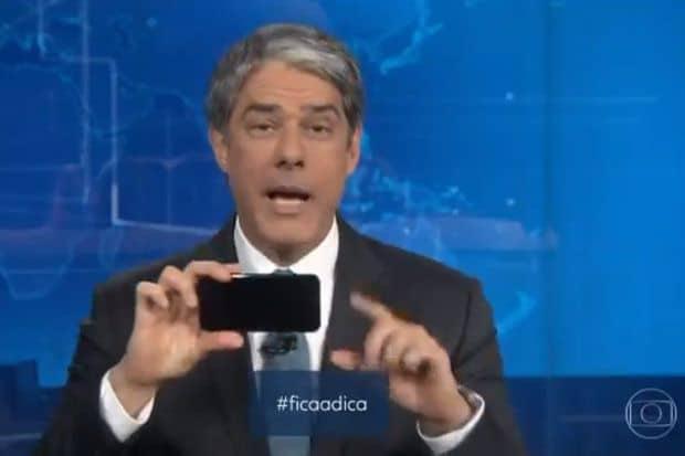 William Bonner ensina no Jornal Nacional como fazer vídeos com o celular
