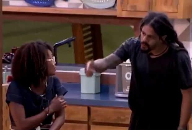 BBB 18: Viegas e Nayara discutem e brother a chama de egoísta