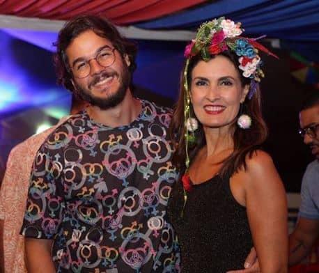 64906737a Fátima Bernardes e Túlio Gadêlha se empolgam com fantasias de Carnaval
