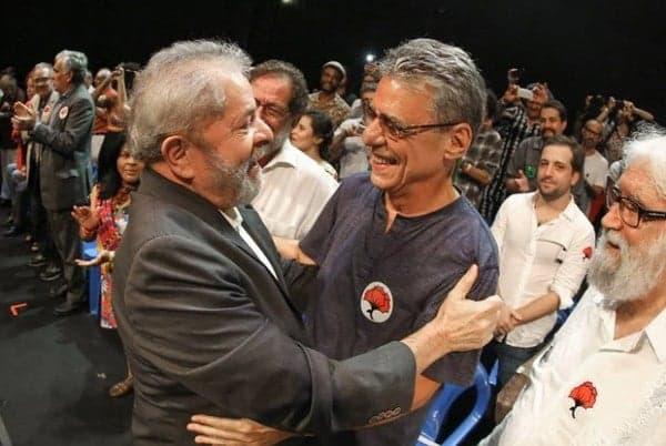 Chico Buarque recebe carta de Lula como presente de aniversário