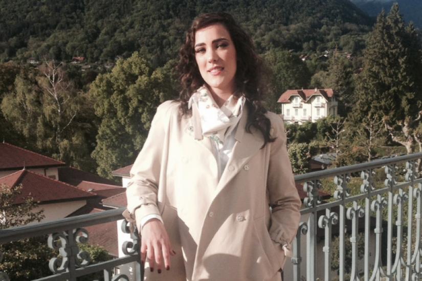 Vitória Strada comemora aniversário da namorada com foto