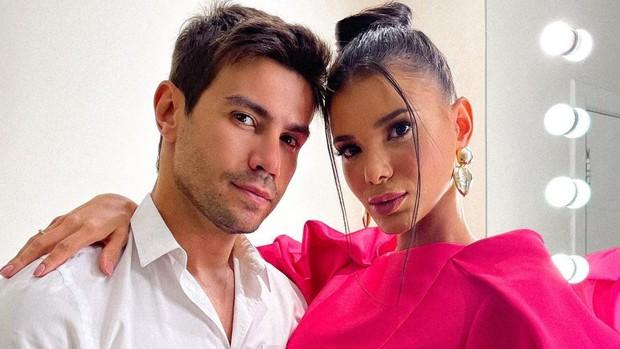Mariano e Jakelyne Oliveira