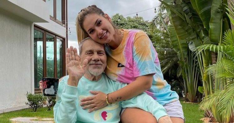 Virgínia Fonseca e o pai